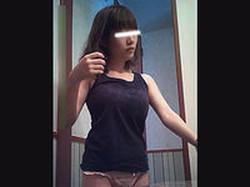 【ホテル、、、入っちゃった】仰天オッパイ!!小柄な巨乳 み●さん  Vol.33 脱衣編
